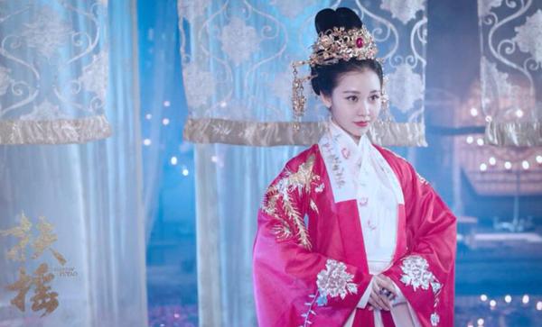 《扶摇》最强情敌唐芷蓉上线 阿丽亚为爱黑化飙演技