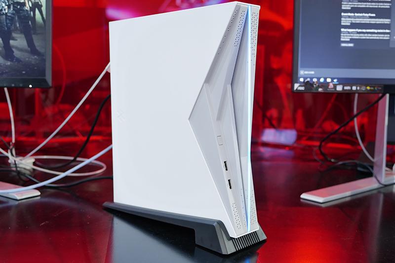 前线 | 小霸王联手AMD回归,发布Z+新游戏电脑