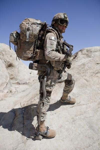 资料图片:美军外骨骼单兵辅助设备试验照。(图片来源于网络)