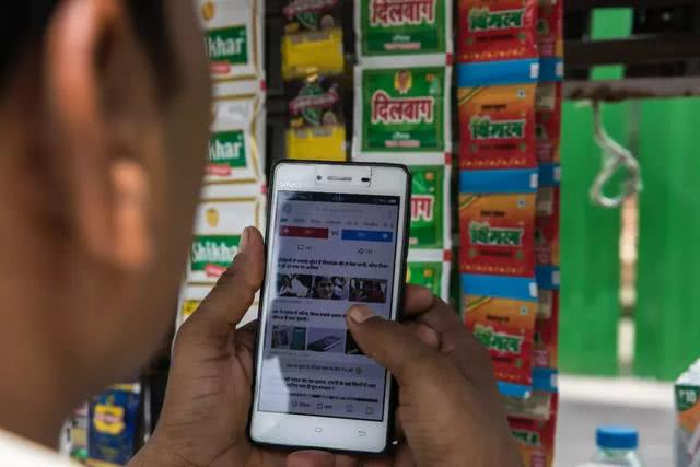150块买部手机看视频,要的是省流量下载快,UC扎根印度9年