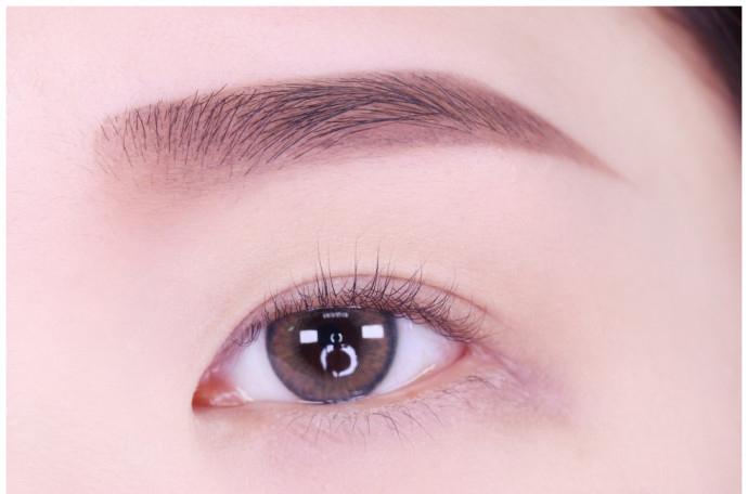 欧式妆眼影的画法图解