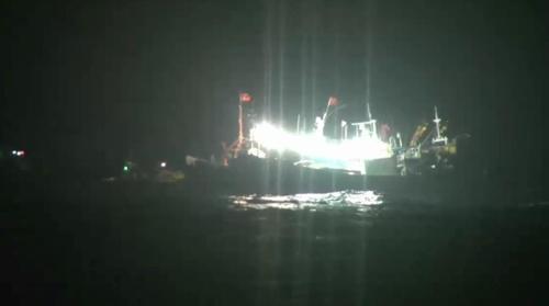 中韩渔船在济州海域相撞中国渔