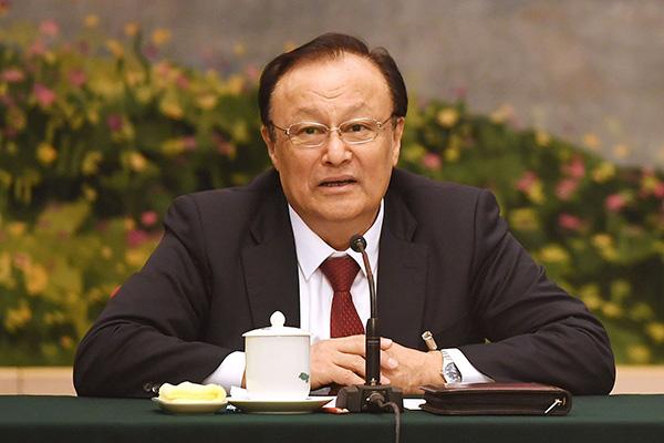 新疆自治区主席就新疆反恐维稳情况工作答记者问