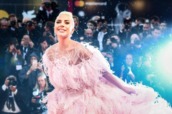 Lady Gaga自曝曾被建议整容 接下来计划想当妈妈