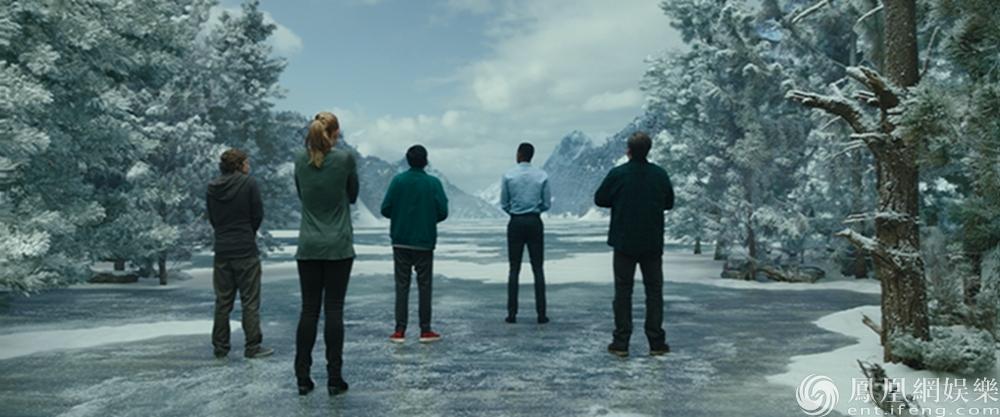 电影《密室逃生》首发预告 六人成团疯玩解谜游戏