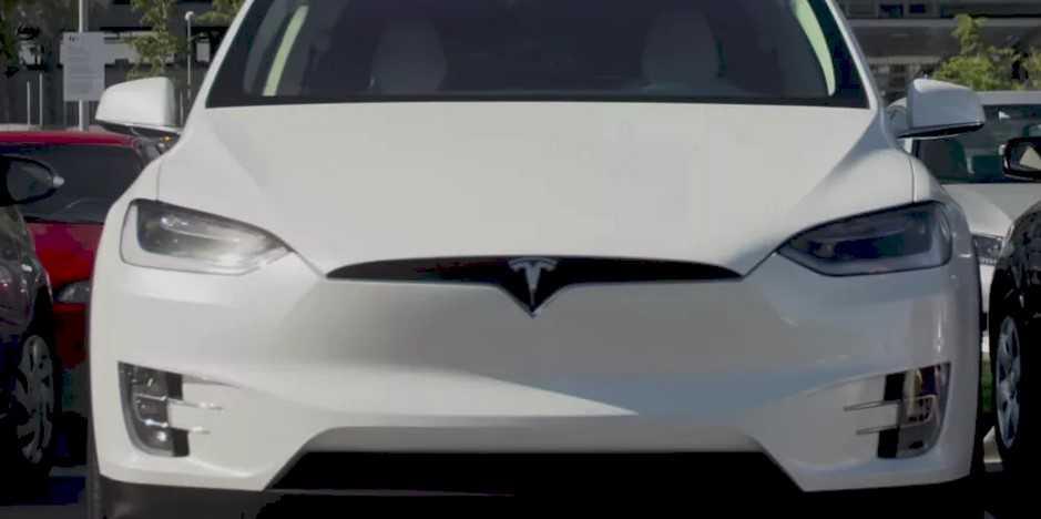 马斯克:明年特斯拉汽车将具备无人泊车功能