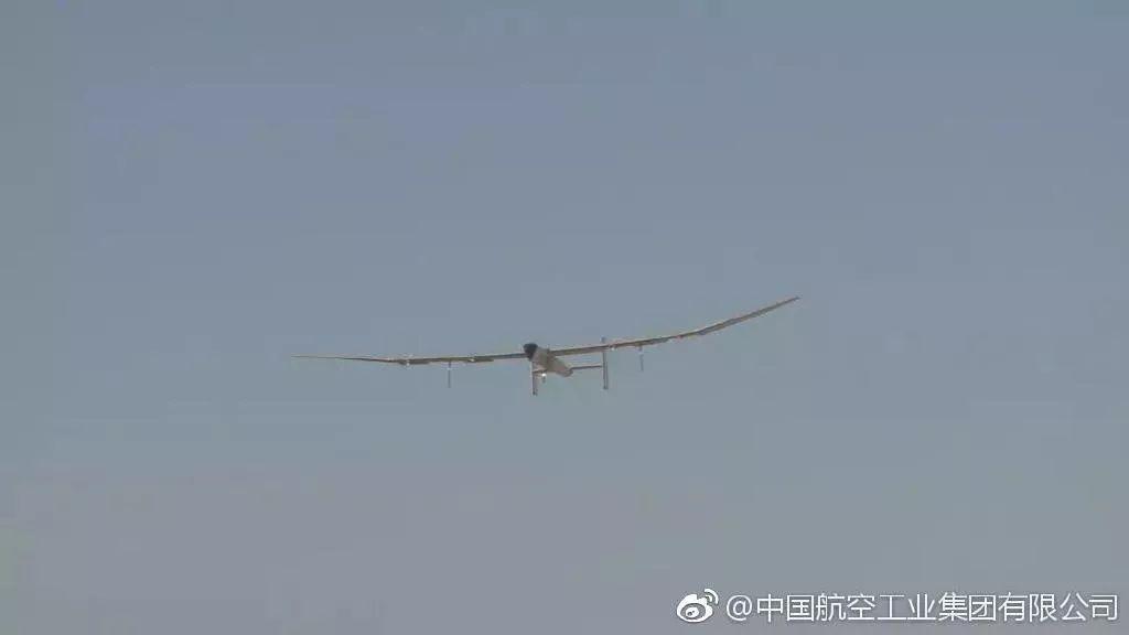国产太阳能超大无人机技术验证完成首飞