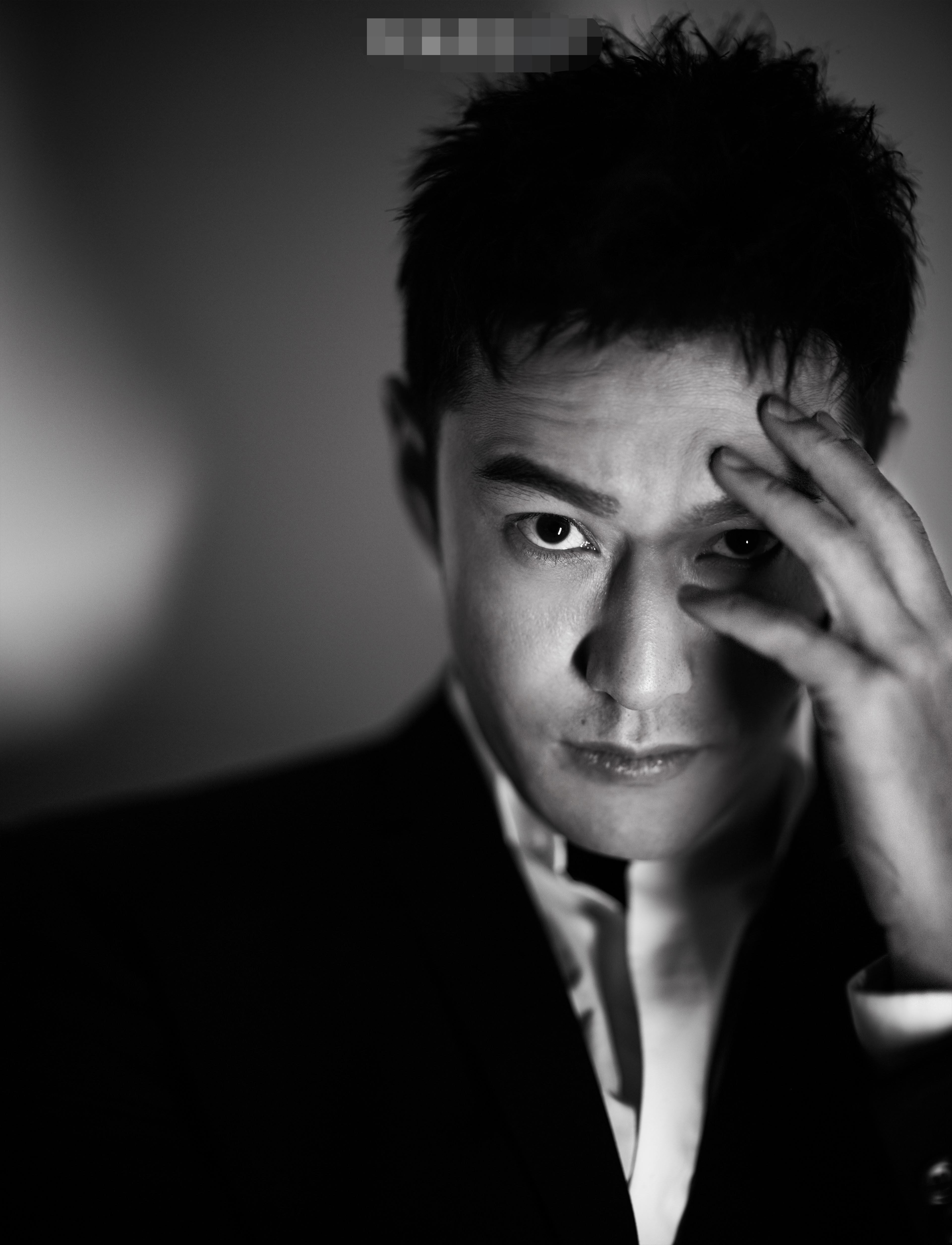 黄晓明温暖亮相电影盛典 以作品为镜重拾初心砥砺前行
