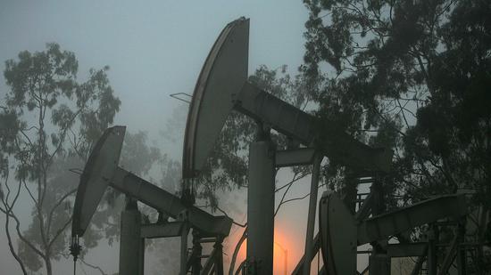 国际油价下滑:美油暴跌7% 布油
