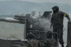 卢旺达首次展示中国卡车炮