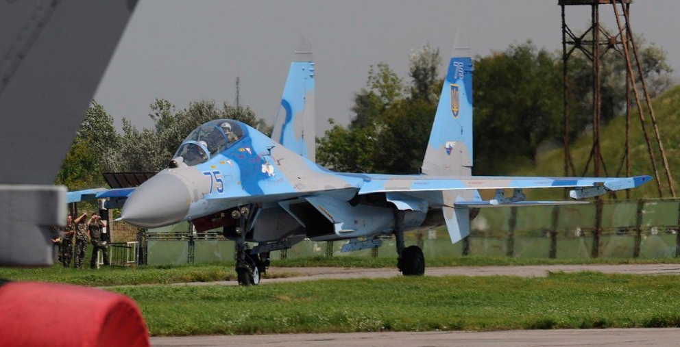 乌克兰一架苏-27坠毁 飞行员丧生