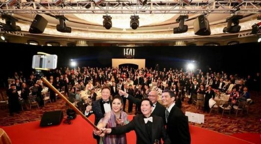 """向华强曾身陷""""黑社会""""传闻,操控香港电影半壁江山? 娱乐前线 第5张"""