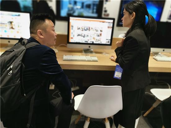 欧神诺亮相上海建博会,以智慧门店缔造全新的选材体验