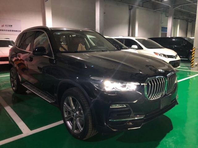 19款宝马x5天津港现车配置降税后价格低至60多万