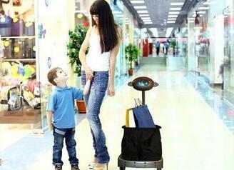 沃尔玛拟用机器人代替购物车 可自动跟着顾客