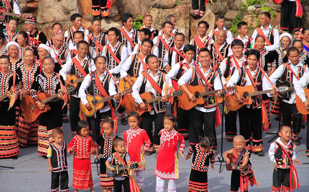 拉祜族人民一起唱拉祜族民歌