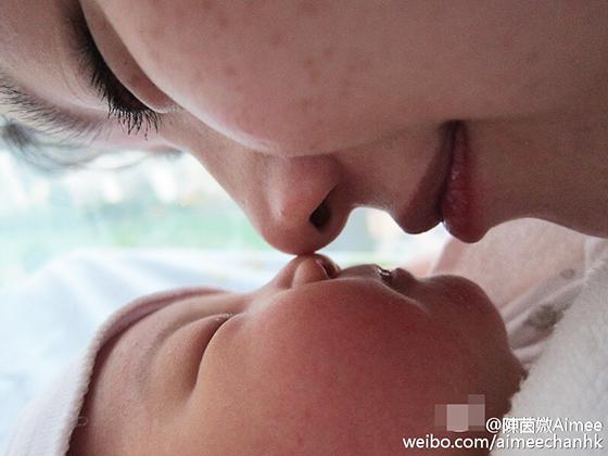 [爱八卦]陈茵媺产后第二天首晒女儿 母女互动超有爱(图)