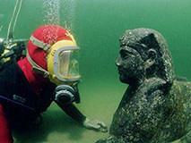 男子乘飞机看见水下阴影 调查发现隐藏2500年古城