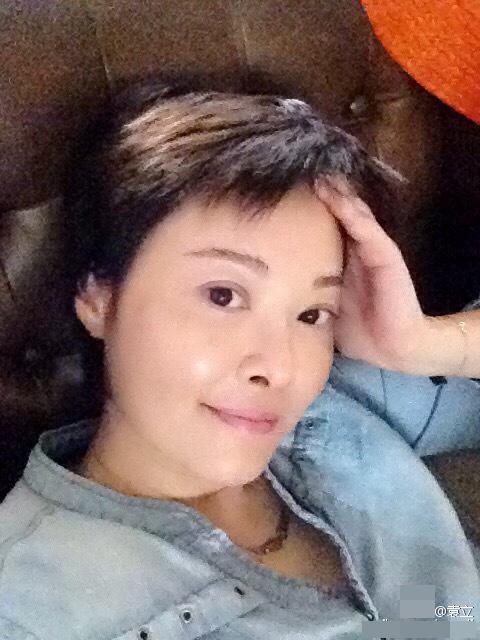 """43岁袁立被网友讽刺为""""婊子"""" 回呛:某些人器官倒置【星看点】"""