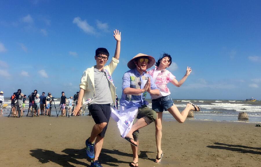 """看到杨钰莹如此萌萌哒的照片,蔡少芬都忍不住转发评论道:""""好可爱啊!"""