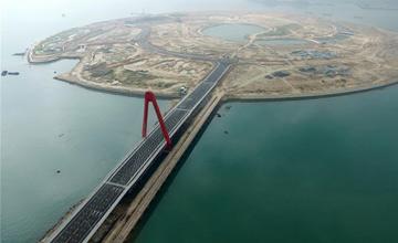 中国这一建筑建成震撼世界 高度90米全长685米