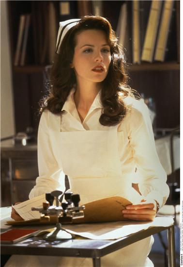 珍珠港女主角图片
