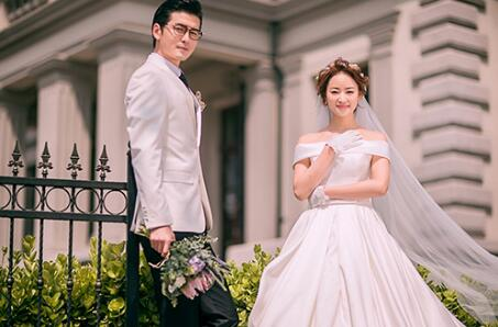 青岛婚纱摄影排名哪家好,张小白工作室前十名