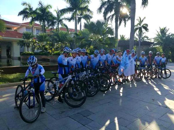 喜达屋海南环岛慈善骑行 支持本地社区教育建设