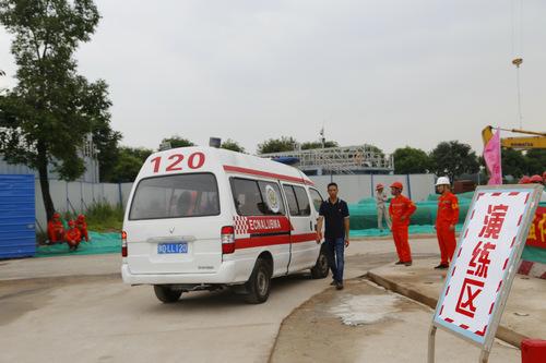 广州市水务局举行施工现场塔吊事故应急演练
