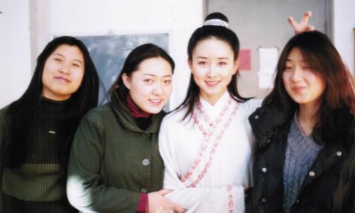 【有意思】胡静晒当年毕业照怀旧 刘烨章子怡都是一脸青涩(图)