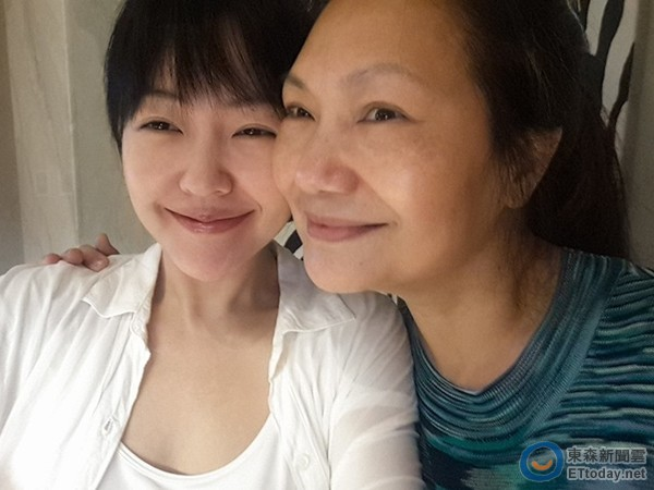 【有意思】小S叫吴青峰姐惹众怒 母亲劝网友:我被消遣20年