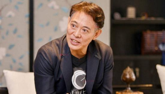 【有意思】李连杰亮相澄清病情:我很痛,但我没坐轮椅