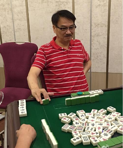 63岁吴孟达打麻将身体好 重病后暴瘦一圈【有看点】