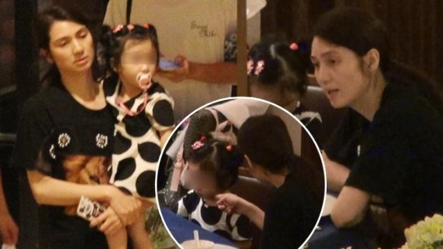 【有意思】44岁洪欣素颜带儿女吃饭 哥哥贴心夹菜给妹妹