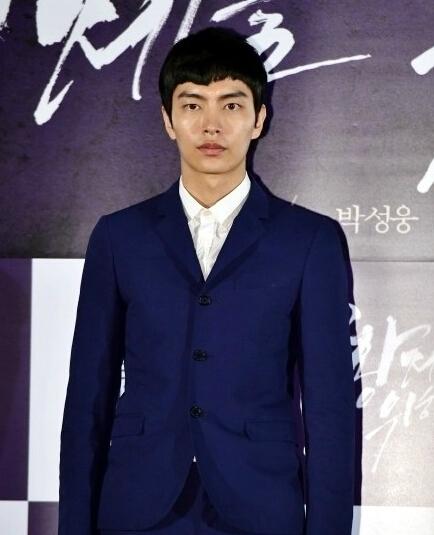 韩演员李民基2月涉嫌性侵 警方:无嫌疑不起诉【有看点】