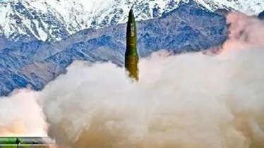 南部战区主动曝光东风-16 中国周边想炸哪就炸哪