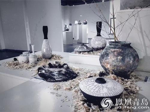 """2016青岛澜湾中韩陶瓷·雕塑作品展""""在澜湾艺术公园美术馆开幕."""