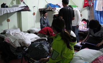 120平米房子混住26名男女 屋内装摄像头