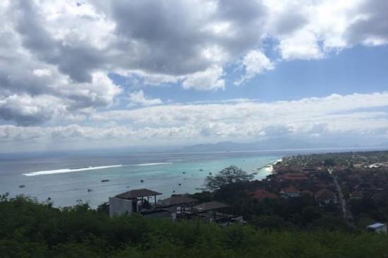 【美人鱼乐】网友巴厘岛偶遇林心如霍建华 亲密挽手拍婚纱照