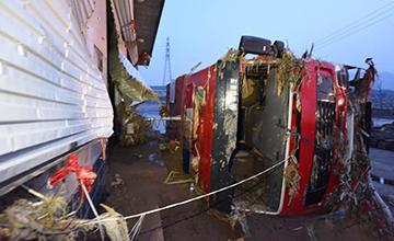 河北另一重灾区:救援车被冲翻 26死