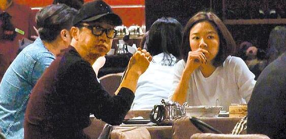 【星娱TV】哈林新婚家宴邀柯震东父亲 被赞从不拿女人炒作