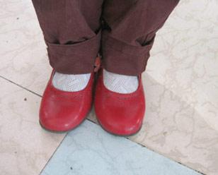 不分左右脚?古人穿鞋real任性!