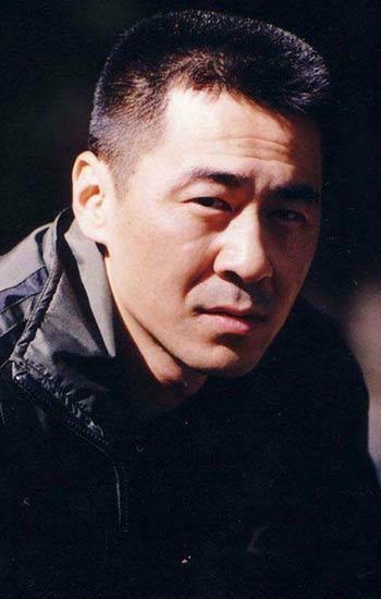 陈建斌对中年危机有共鸣 他的危机是…