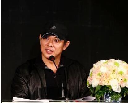 【星娱TV】李连杰被曝心肌梗塞身亡 向太:假的!