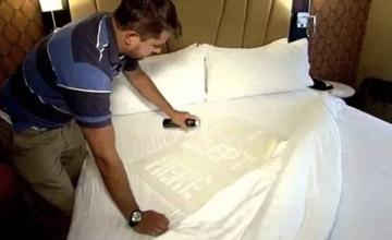 """酒店真的会换床单吗?一项""""卧底""""实验结果令人震惊"""