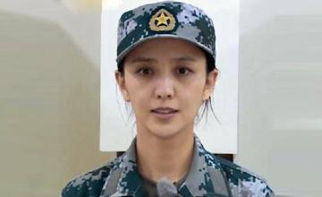 佟丽娅素颜当兵 正值哺乳期体重不足90斤