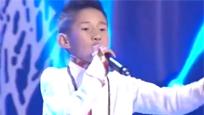 10岁藏族男孩靠唱歌养活家人 粉丝无数
