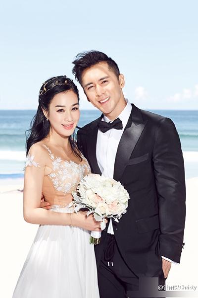 性情:爱情不易:钟丽缇带仨娃再嫁小12岁张伦硕