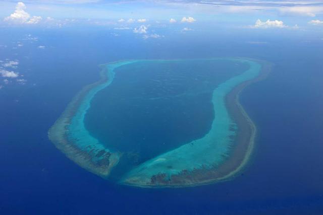 5名菲渔民在黄岩岛海域捕鱼失踪 外交部:已救2人