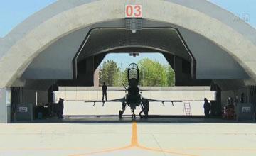 告别大凉棚:歼-10战机混凝土联排机堡首次曝光